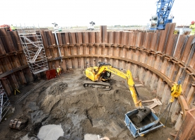 Excavating the south cofferdam – May 2015