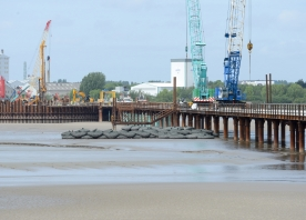 Work begins on the central cofferdam – May 2015
