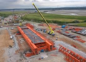 Movable scaffolding system assembly progress – July 2015
